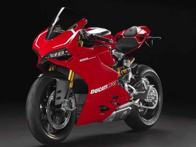 At the time of its release Ducati claimed that the 1199 Panigale was the world's most powerful production twin-cylinder engine motorcycle, with 195 bhp (145 kW) at 10,750 rpm, and 133.0 N⋅m (98.1 lb⋅ft) torque at 9000 rpm on an engine test stand.