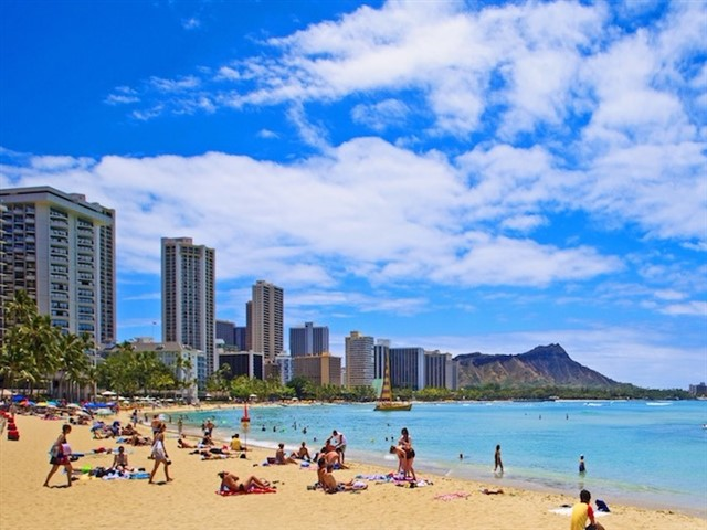 No trip to Hawaii would be complete without spending time in Honolulu. This is by far the largest city in the island chain, the state capital and a bustling, exciting place to explore. There is no shortage of things to do, but Waikiki is often a highlight. Waikiki Beach is actually a string of several connected beaches, with Duke Kahanamoku Beach being a popular choice for tourists and local surfers alike. For amazing views in Honolulu, climb up to the summit of the Diamond Head Crater, which overlooks Waikiki. Don't forget to visit Pearl Harbor, where the USS Arizona Memorial is the poignant centerpiece.