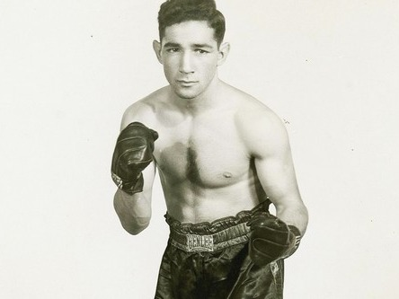 One of the finest featherweights and boxing innovators to ever enter the ring, Willie Pep made it in our list of top 10 boxers of all time because of his smooth boxing skills. Living in the early days of boxing during 40s to 60s, he finished his historic career with a total of 229 wins with 65 knockouts.His style is reminiscent of boxers like Manny Pacquiao and Ivan Calderon who popularized the sport today. Willie Pep is known to be an innovator of the sport, given his magnificent footwork, timing and excellent hand speed. He retired after suffering from an accident. He passed away at age 84 in 2006.