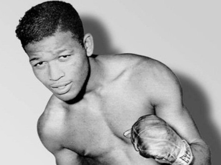 Another all-time great in our list of top 10 best boxers is Sugar Ray Robinson. Sugar Ray Robinson is considered the pound for pound number one by many boxing critics. He could also easily be the number one in our list of top 10 best boxers of all time. In fact, Sugar Ray Robinson was the very first boxer to be considered as the pound for pound champion.Inducted in the Boxing Hall of Fame in 1990, Sugar Ray Robinson had an 85-0 run as an amateur. As a professional, his record was nothing short of amazing. He had a 91 winning streak. He retired with a total of 200 fights in his record winning 173 fights, 108 of which were via knockout.