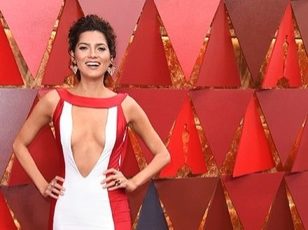 Actress Blanca Blanco, who wore easily the most revealing dress at the Golden Globes earlier this year and suffered a wardrobe malfunction at last year's Oscars, again flashed the flesh with this plunging neckline.