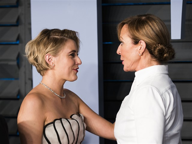 When Greta Gerwig saw that Allison Janney was coming on the carpet behind her, she insisted she go first.