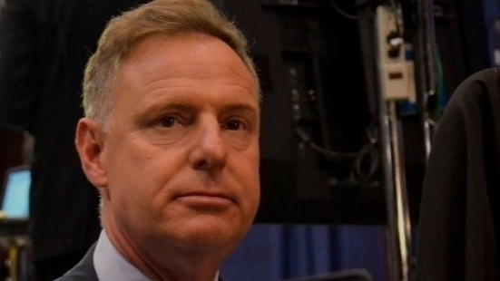 With the riches tallying around $112.5 million, Scott Peters originally hails from the Midwest. He was born in Ohio and brought up in Michigan. After working with EPA as the economist, he defeated the Rep. Brian Bilbray and got elected in 2012. Again, after competing and defeating Republican challenger Carl DeMaio, he got re-elected in 2012.