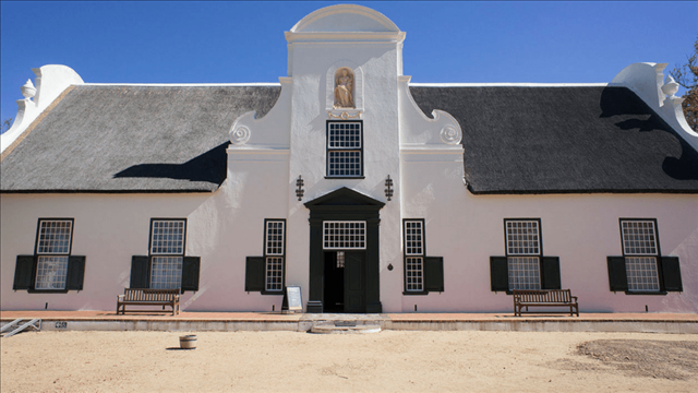 The Western Cape and wine have become somewhat synonymous and no trip is complete without a few visits to the wine farms. Head out for lunch and sip on amazing wine that has been perfectly paired to the dish in front of you. For an unforgettable experience visit the Franschhoek Wine Valley which boasts more than 40 wine cellars. There's even a hop-on-hop-off wine tram that stops at different wine estates and is guaranteed to be the most fun you'll have while on a tour.