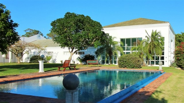 The St Francis Health Centre in Eastern Cape specialises in stress relief, weight control and natural healing and offers a world-renowned detox programme. For those who want to focus solely on relaxation, the spa includes a range of different hydrotherapies, including steam baths, jet baths and swimming pools.