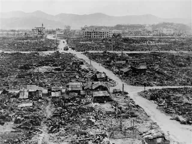 Atomic bomb dropped in Hiroshima and Nagasaki
