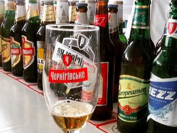 In Kiev, the capital and largest city of Ukraine you can drink beers for an average price of $ 1.66 each! And the most popular local brands are Chernihivske, Obolon, Lvivske, among others.