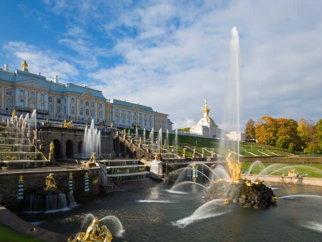 The Grand Cascade is a majestic fountain located in the Palace of Peterhof, Russia. This is undoubtedly one of the most beautiful and majestic royal palaces in the world; there meets all the luxury and majesty characteristic of the Russian empire. The most famous source of the palace is The Grand Cascade, built with golden sculptures and which water descends until reaching a canal that carries water to the sea. Although the price of construction is unknown, since the construction of the palace and its gardens ended in 1721, it's estimated that by the luxury and the tourist character that defines the fountain, it's one of the most expensive fountain the world; as well as its annual maintenance price