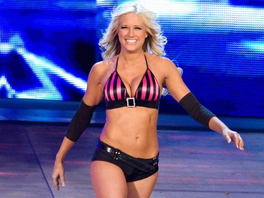 Barbara Jean Blank (born January 15, 1987) is an American model, reality television personality, and professional wrestler, better known professionally as Barbie Blank and by her ring name Kelly Kelly.Source:https://en.wikipedia.org/wiki/Kelly_Kelly