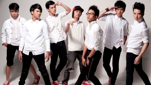 SM*SH or Seven Man as Seven Heroes, (Indonesian pronunciation: [smÉ›s] or English: /ˈsmæʃ/), is a boy band from Indonesia, founded by Starsignal on April 10, 2010.[1][2] This boy-band consists of Rafael, Rangga, Morgan, Bisma, Dicky, Reza, and Ilham.[3] Together, they perform songs that are pop-dance oriented.[4] The name SM*SH stands for