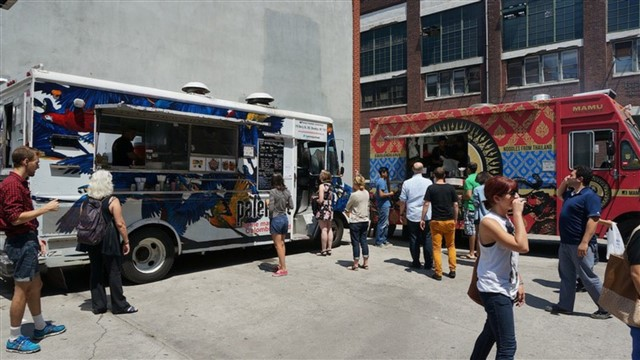Adding a mobile dimension to New York City's restaurant landscape, food trucks have transformed the streets into a lunchtime gathering spot, late night hang-out, and weekend hot-spot. Wander the streets to find everything from classic sweet treats to spicy Asian creations; we list some of the best trucks to try.