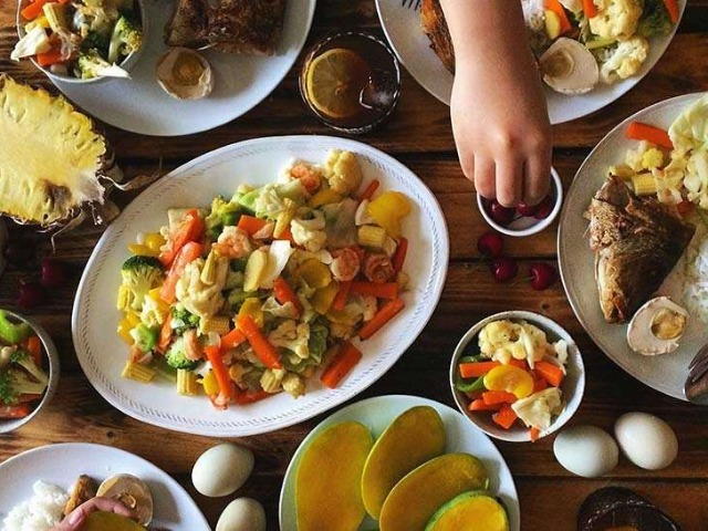 Filipino cuisine (Filipino: Lutuing Pilipino/Pagkaing Pilipino) is composed of the cuisines of 144 distinct ethno-linguistic groups found throughout the Philippine archipelago. However, a majority of mainstream Filipino dishes that compose Filipino cuisine are from the cuisines of the Ilocano, Pangasinan, Kapampangan, Tagalog, Bicolano, Visayan (Cebuano, Hiligaynon and Waray), Chavacano and Maranao ethno-linguistic groups. The style of cooking and the food associated with it have evolved over many centuries from their Austronesian origins (shared with Malaysian and Indonesian cuisines) to a mixed cuisine of Indian, Chinese, Spanish and American influences, in line with the major waves of influence that had enriched the cultures of the archipelago, as well as others adapted to indigenous ingredients and the local palate.Wikipedia